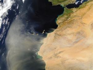 Tormenta de polvo sahariano sobre las Islas Canarias