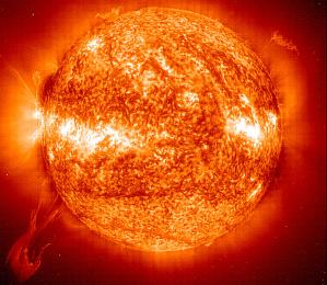 El activo Sol fotografiado en longitudes de onda del ultravioleta extremo