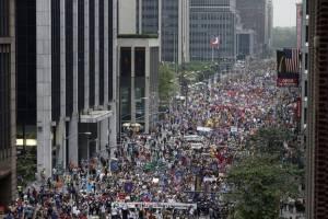 La concentración central de Nueva York congregó unas 300.000 personas